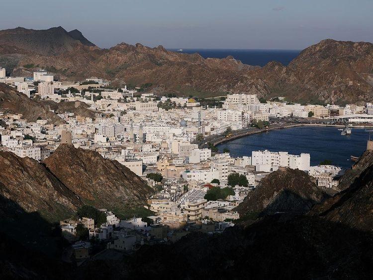 بررسی نحوه تجارت با عمان در بازرگانی لین