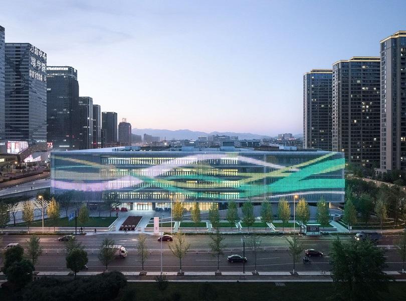 آشنایی با پایانههای مسافربری شهر ایوو در بازرگانی لین
